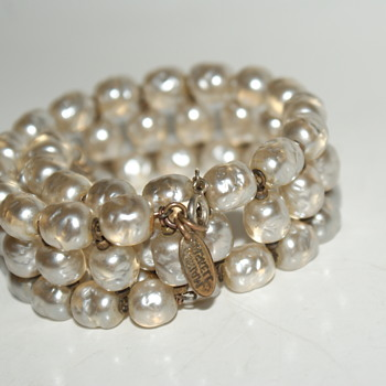 Vintage Miriam Haskell Faux Baroque Pearls Memory Wire Bracelet - Costume Jewelry