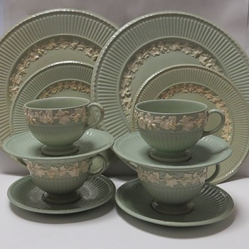 Wedgwood Etruria Queensware Edme Grapes - China and Dinnerware