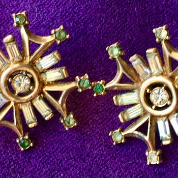 Antique Mystery Trifari Design Pat Pending Rhinestone Starburst Earrings - Costume Jewelry