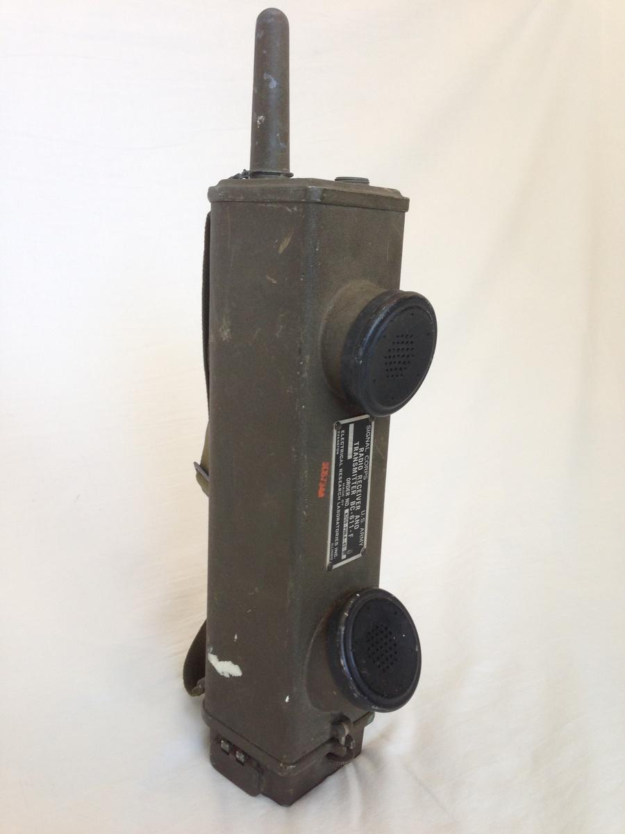 1940 39 s us army world war ii ww2 hand held walkie talkie wireless communication device. Black Bedroom Furniture Sets. Home Design Ideas
