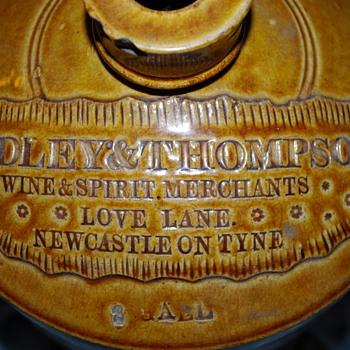 LOVE LANE RIDLEY & THOMPSON NEWCASSTLE SLAB SEAL FLAGON - Bottles