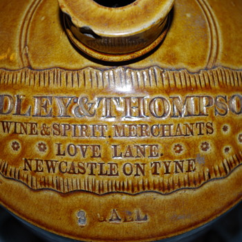 LOVE LANE RIDLEY & THOMPSON NEWCASSTLE SLAB SEAL FLAGON