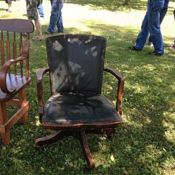 Antique swivel desk chair - Furniture