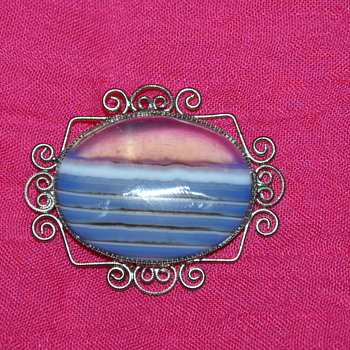 Costume Agate(?) Brooch - Costume Jewelry