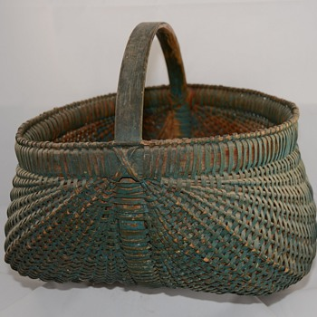 Large Green Buttocks basket or melon Painted Primitive Basket - Folk Art