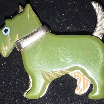 Antique Carved Green Bakelite And Silver Tone Scottish Terrier Brooch  - Costume Jewelry