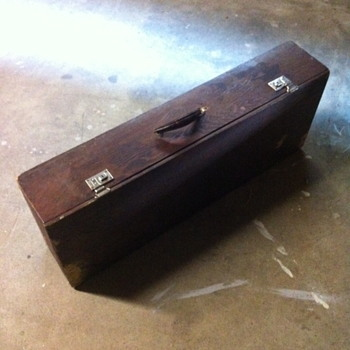 Wooden cane box. - Bags