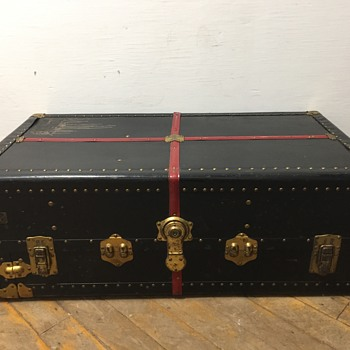 NEVERBREAK Vintage Trunk  - Furniture