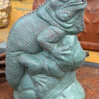 Iguana Fountain - Animals