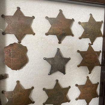 Are these original badges or fake? - Advertising