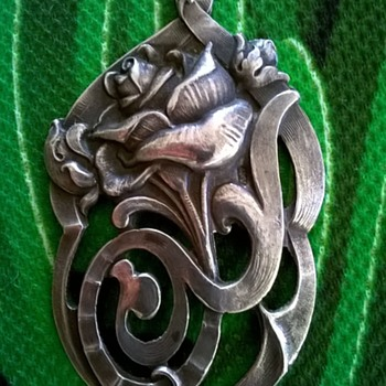 Circa 1900-1915 Silver Art Nouveau Pendant  - Fine Jewelry