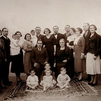 1934 Family reunion for a wedding - Photographs