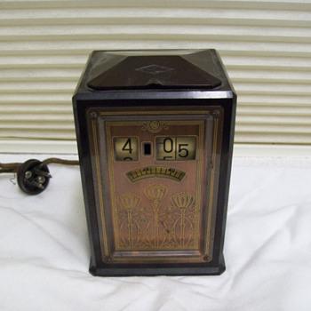"""1933 GE Warren """"Executive"""" Telechron Bakelite Art Deco Clock Model 8B02"""
