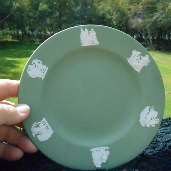 Small Wedgewood Plate - Pottery
