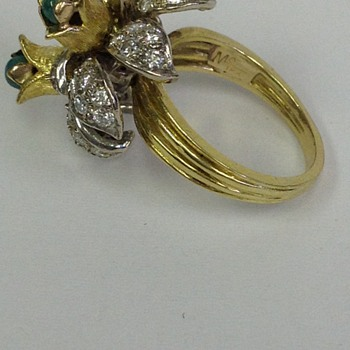 antique ring of 18k and diamonds/ round emeralds - Fine Jewelry