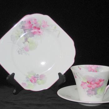 Shelley.  Tea Service.  Pink Violets.  Regent. 781613 Design.  W12315 Pattern. - China and Dinnerware