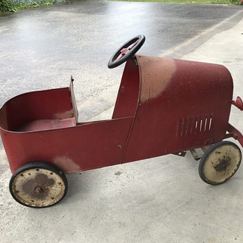 Vintage Pedal Car - Any ideas of the make? - Toys