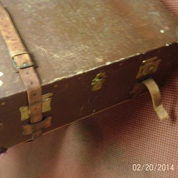 Pukka steamer trunk - Furniture