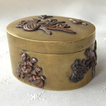 Japanese Love Affair, the unique decorative aesthetic that amazed  mid 19th century Europe. - Asian