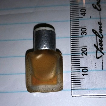 Tiny bottle of perfume