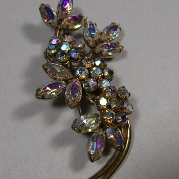 Signed Sherman Flower Brooch - Costume Jewelry