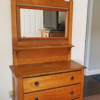 Oak dressers - Furniture