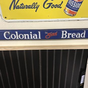 Colonial dread door push  - Signs