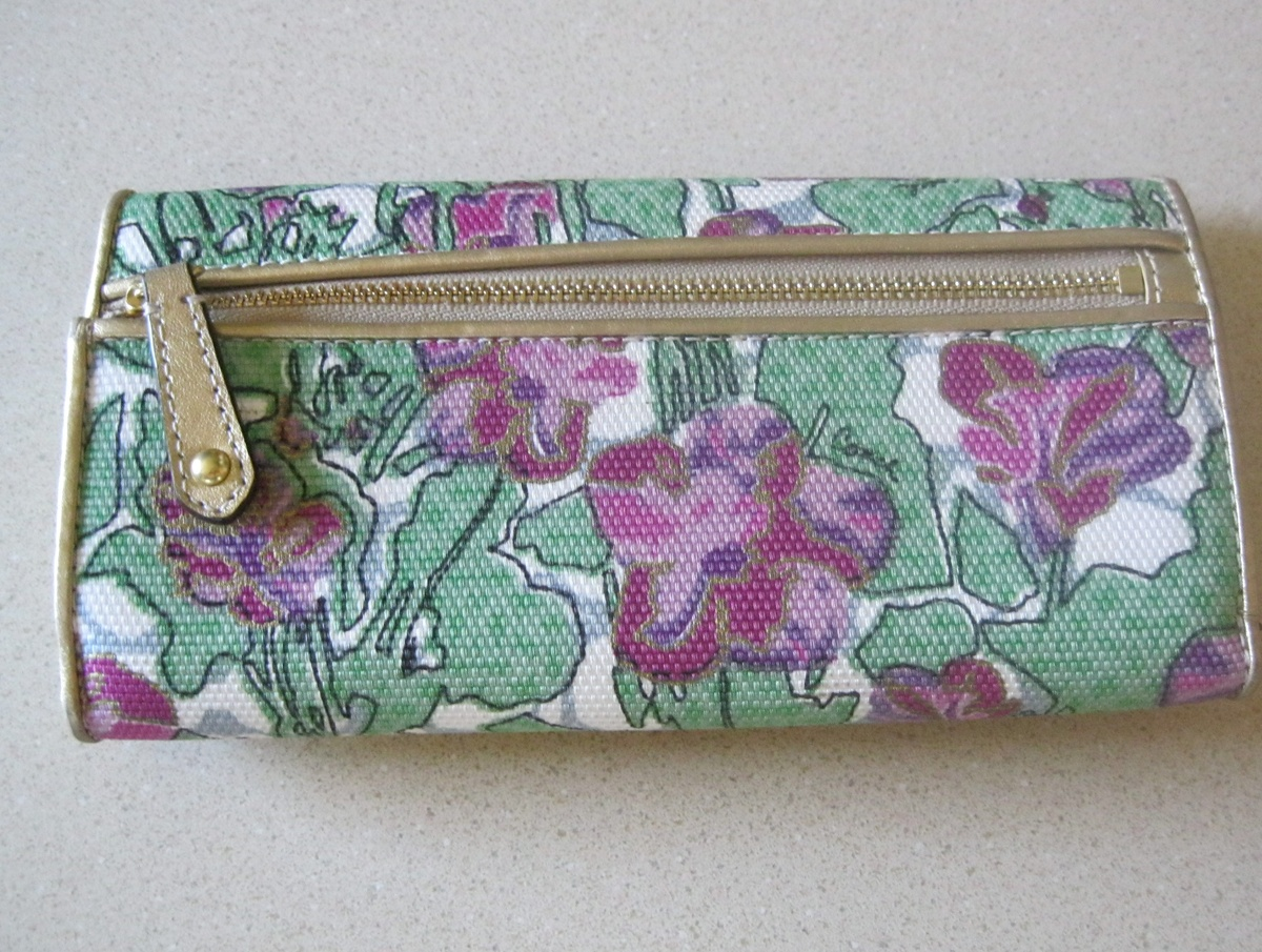 b14699016d9b promo code for anyone know how old or the pattern name of this coach wallet  collectors
