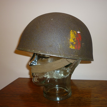 British WWII tank crew / armoured fighting vehicle steel helmet.