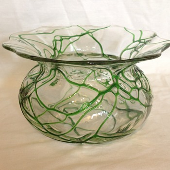 Kralik? Veined dish - Art Glass