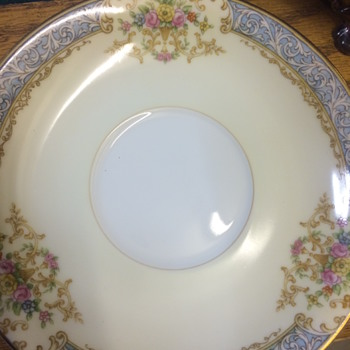 Help identifying this pattern please - China and Dinnerware