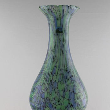 Spatter vase by Tusgaru Vidro - Art Glass