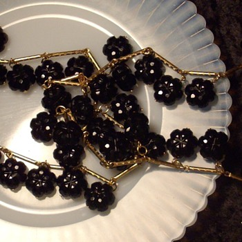 Trifari black cut glass bead bracelet & flapper necklace. - Costume Jewelry
