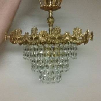 Petite Chandelier......is it French?