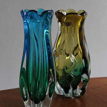 Two Sanyu Vases Japan - Art Glass