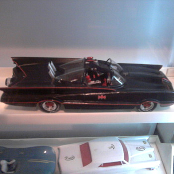 The 60's Batmobile in a 1/24 resin kit.  Gorgeous... - Model Cars