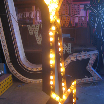 Vintage 1950's TALL YELLOW ARROW sign 2-sided with CHASE lights
