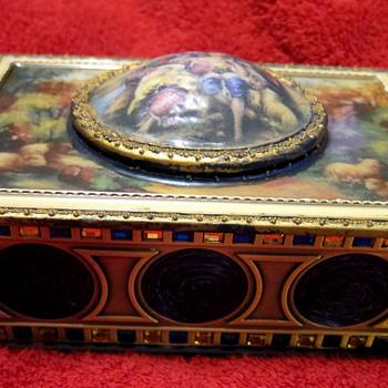 Singing Bird Music Box - Music Memorabilia