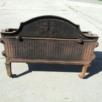 fleur de lis Antique cast Iron Coal Grate Box - Tools and Hardware