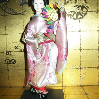 Maiko with Paper Cranes - Dolls