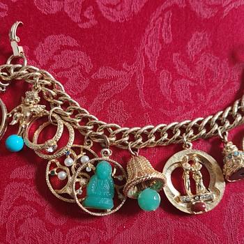 Vintage Chunky Costume Charm Bracelet - Costume Jewelry