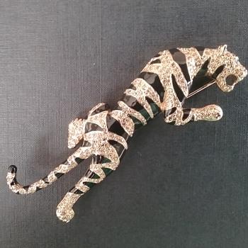 Carolee tiger brooch - Animals