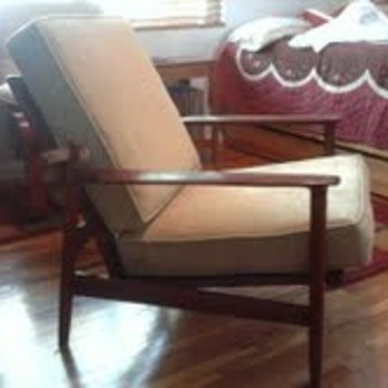 Thank you Rob and Collectors Weekly...this restore would not have been possible without either of you! - Furniture