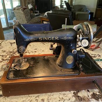 Vintage Singer - Sewing