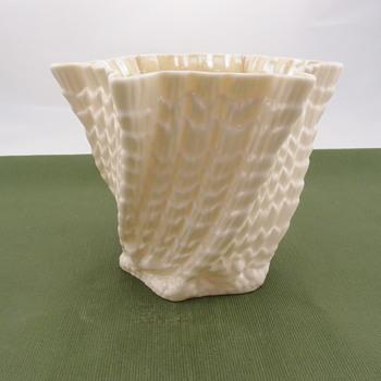 Belleek Medium Octagonal Jardiner - 4th mark - Pottery