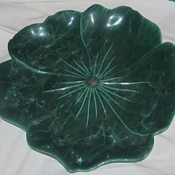 Green ceramic dish leaf or lettuce - Pottery