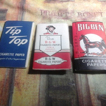 Vintage cigarette rolling papers - Tobacciana