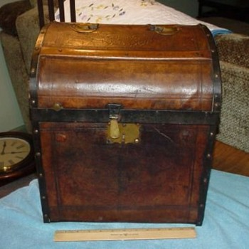 Pre-Civil War Military Parade Hat  Trunk - Military and Wartime