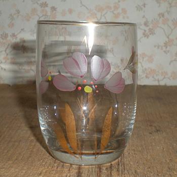 Small Bohemian Art Deco enamelled beaker. - Art Glass