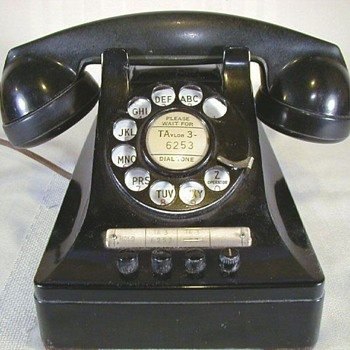 Western Electric Keysets with exclusion turnkeys. - Telephones